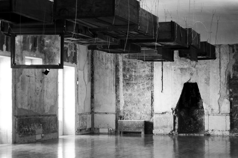 Arte: Trieste, Kounellis allestisce Salone degli Incanti per celebrare uomo e mare