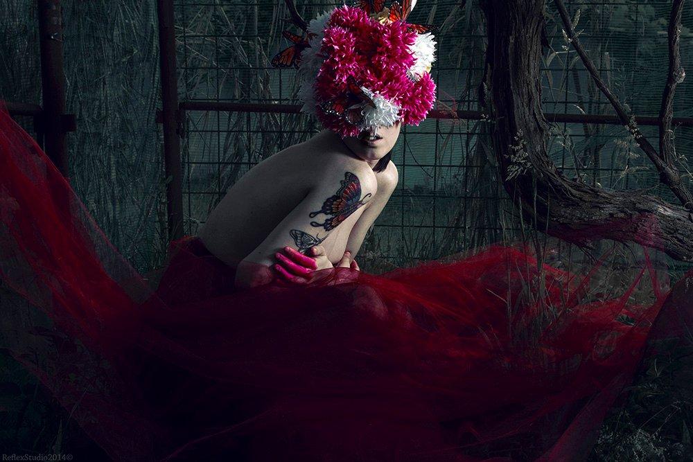 © Copyright  Thomas Lui & Chiara Santaterra