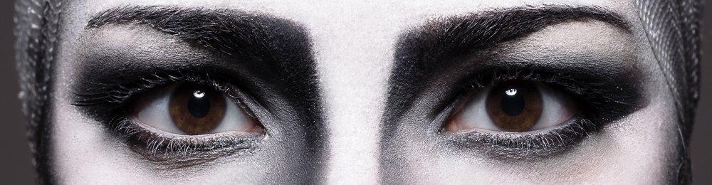 """""""Essential black&white"""" di Giuseppe De Francesco"""