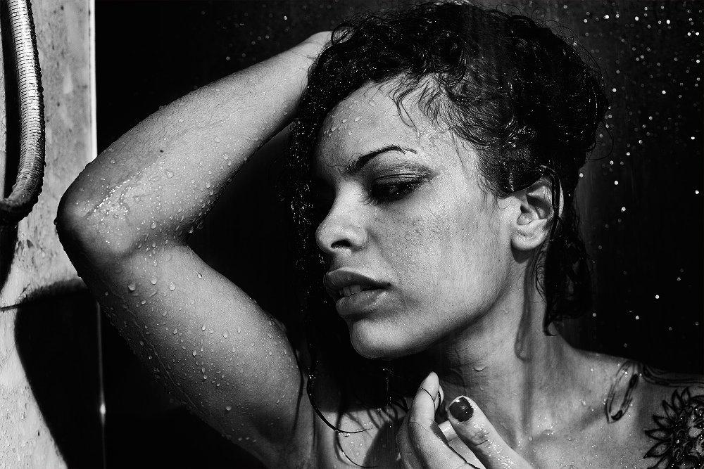 """Esclusiva: """"Black shower"""" di Daniele Benedetti"""