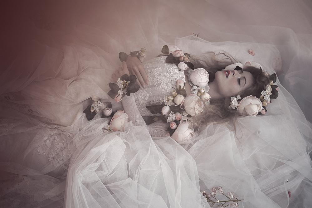 """""""Sleeping Beauty"""" di Yvonne Vionnet"""