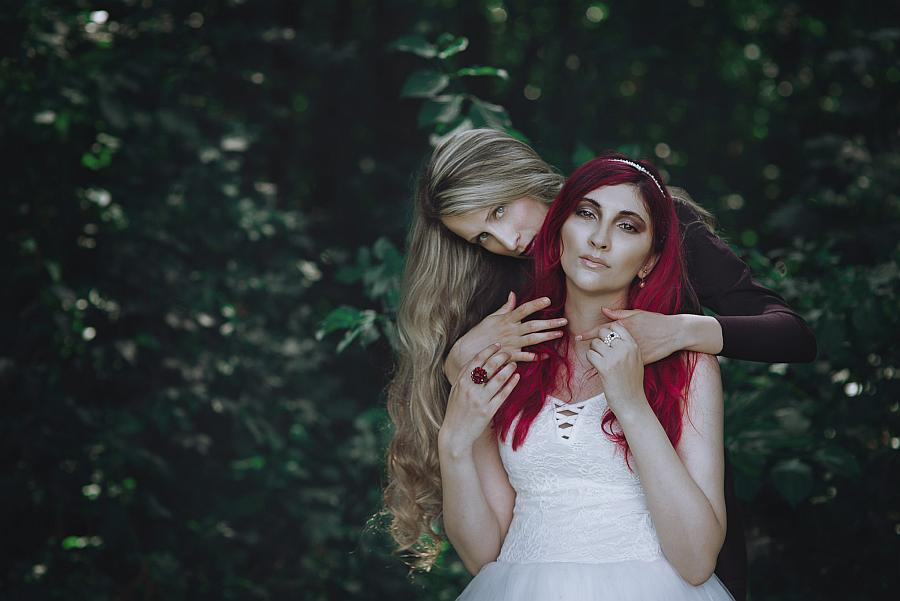 """The mundane and the magic"" © Federica Nardese. Concept: Ilaria Iacoviello. MUA: Gaia Veronese. Models: Sarah Terranova&Federica Nardese"