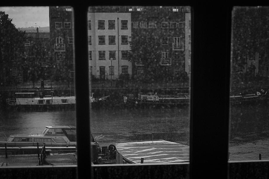 """""""Aspettando che finisse la pioggia. Fiume Avon, Bath, Inghilterra"""" © Marco Sanna"""