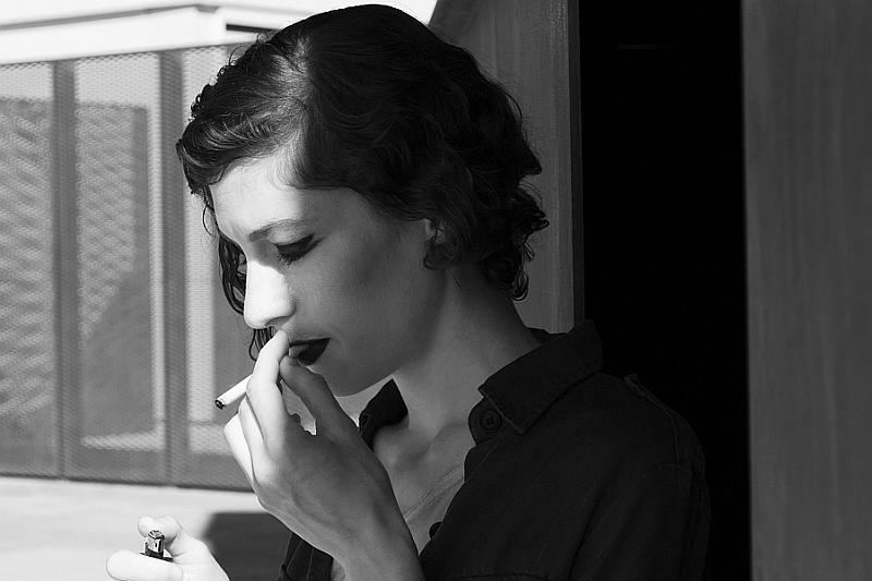 """""""La cigarette"""" © Marta Taroni"""