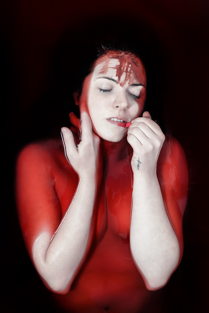 Beauty floats in a sea of Blood © Gianluca Cuccu