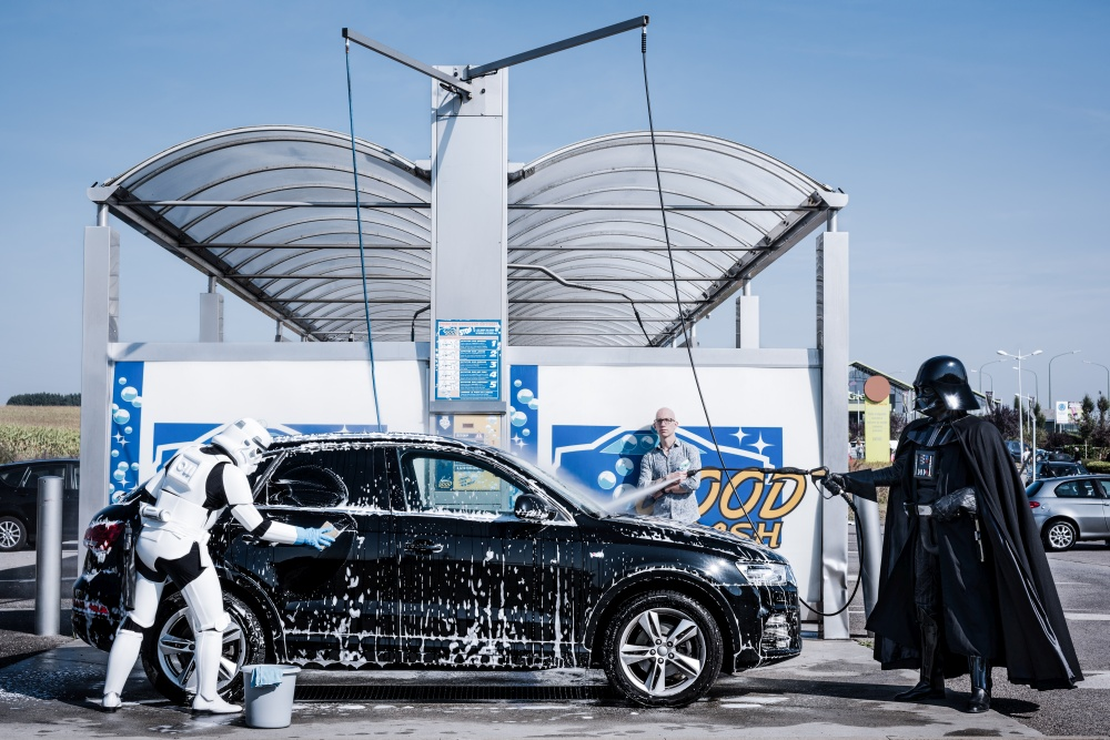 L'Empire contre la Crise 3 - Car Wash