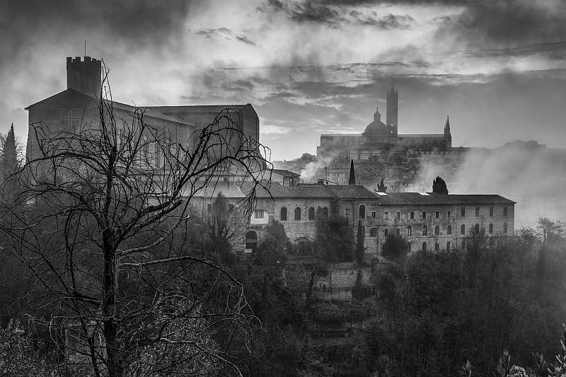 """Siena nella nebbia"" © Christian Brogi"