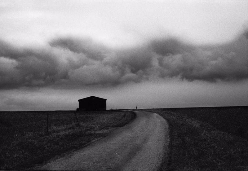"""""""Cabane et Marcheur"""" © David Zhornski"""