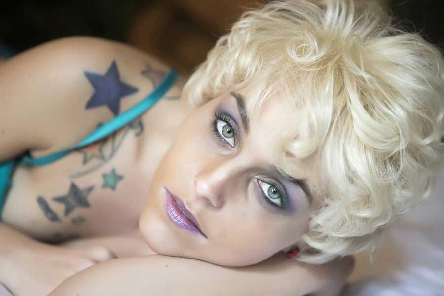 Model: Blondie